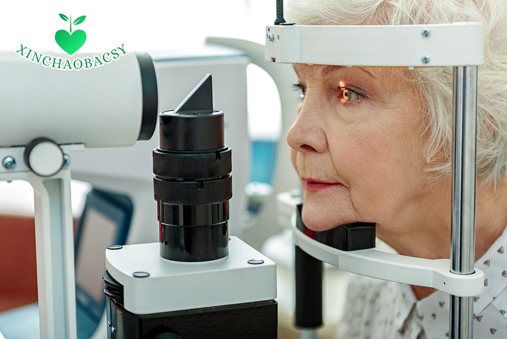 Đục thủy tinh thể ở người già – Giải pháp ngăn mù lòa không cần mổ